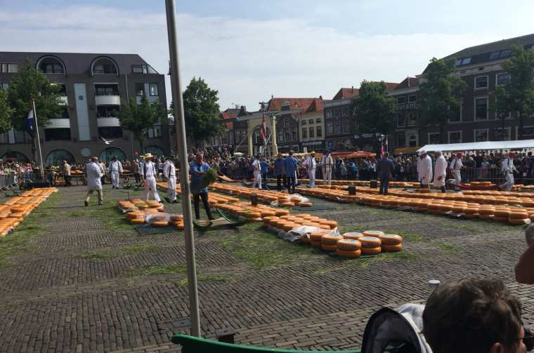 Alkmaar, a world-famous cheese market