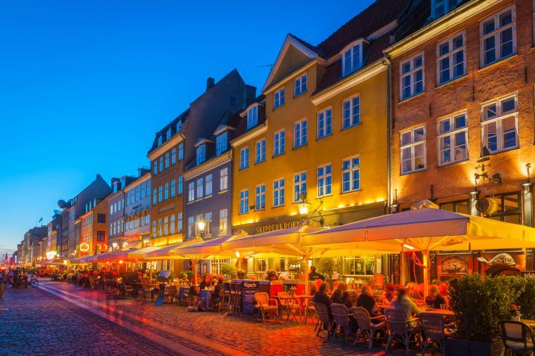 Copenhagen bars and restaurants of Nyhavn at night