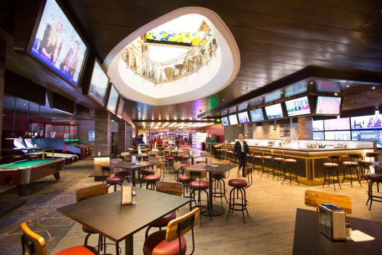 Playmakers Sports Bar - Independence of the Seas